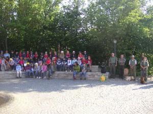 Begrüssung auf dem Schulhof in Mintraching